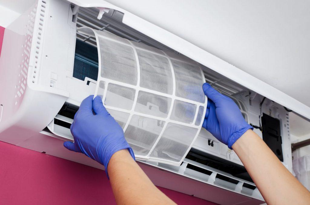 Как почистить внешний и внутренний блоки кондиционера: инструкция